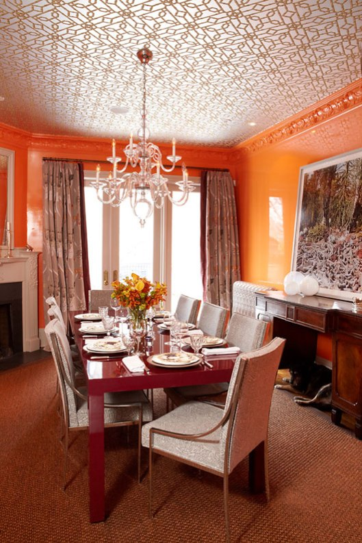 Orange dining room, via #RoomLust